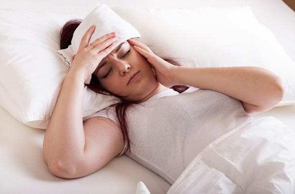 Đau đầu, đau nửa đầu là một dấu hiệu mang thai khá phổ biến